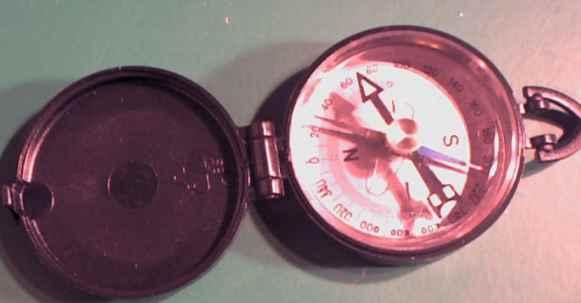wasseradern finden mit kompass